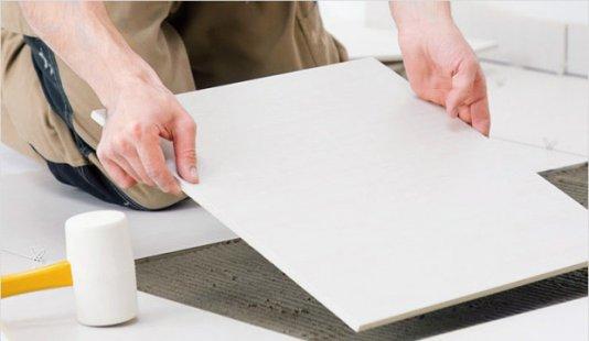 Укладання мармурової плитки на