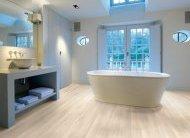 Фото підлог з ламінату у ванній кімнаті