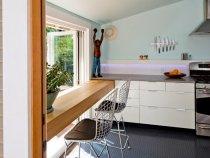 Гумова плитка - зручний, вологостійкий і неслизький матеріал, прекрасно підходить для кухні